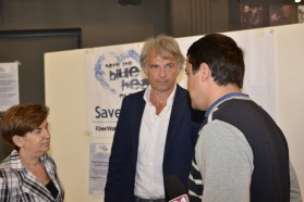 Ulrich Eichelmann, Geschäftsführer von Riverwatch, gibt ein Interview.