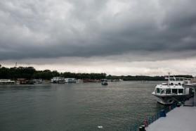 Am Boot: Am letzten Tag der Veranstaltung luden wir alle TeilnehmerInnen zu einer Bootsfahrt auf Sava und Donau ein.