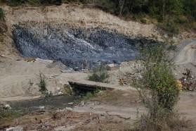 Bau eines kleinen Wasserkraftwerks am Fluss Tresonecka, gleich oberhalb des geplanten Boskov Most Wasserkraftprojekts.