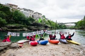 Tag 12: Mostar, Bosnien: Das BRT Team unterstützt die lokale Bevölkerung in ihrem Kampf gegen Wasserkraftwerke an der Buna